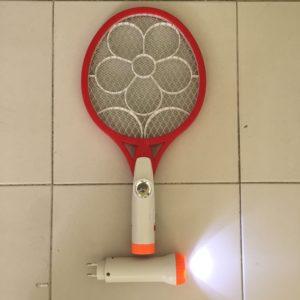 Raquete Elétrica Mata Moscas (2)